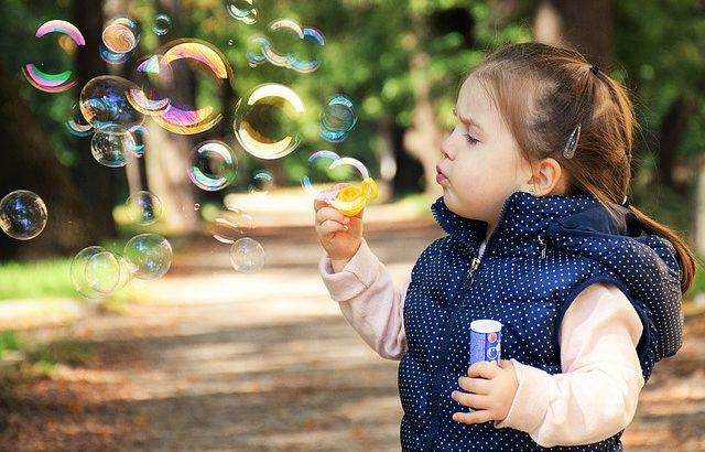 Geld verdienen von zu Hause mit Kinderbetreuung